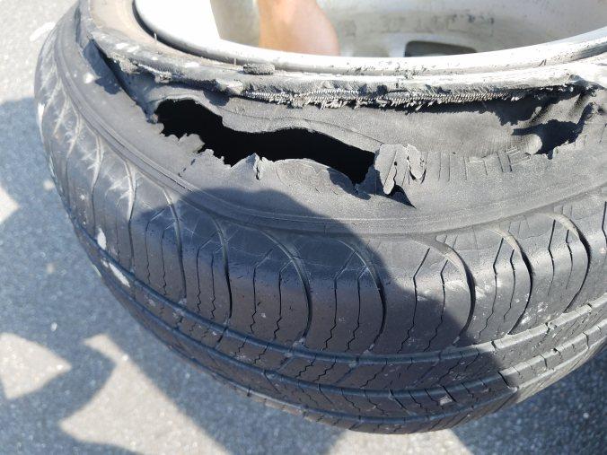 dead tire2.jpg